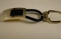arany-kulcstarto-kaucsukos-diszitessel